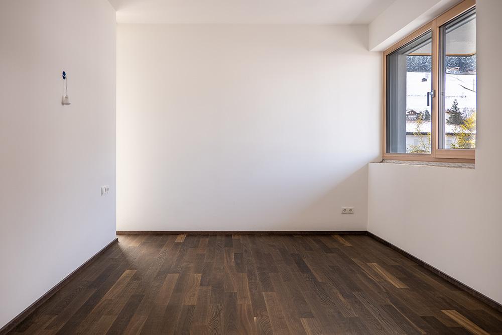 Wenisch Holz Referenz Fischgrätboden Tulfes Schlafzimmer
