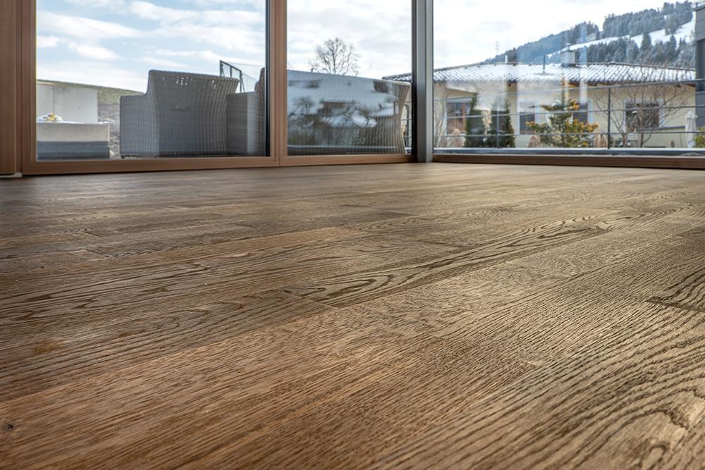 Wenisch Holz Referenz Fischgrätboden Tulfes Detail